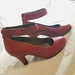 New 👠 Aerosole Leather Shoes